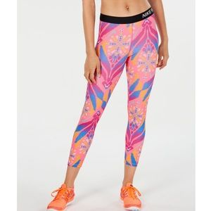 Nike Pro Tight Fit Training Leggings Cropped